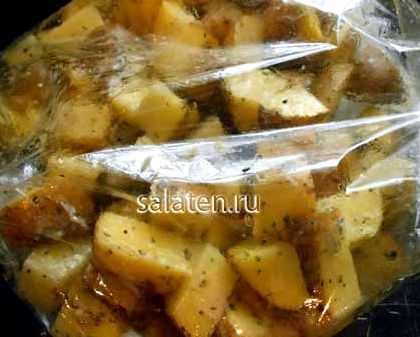Пряный золотистый картофель в микроволновке