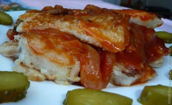 Филе трески в луково-томатном маринаде