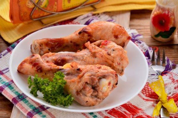 Куриные бёдра, запечённые с аджикой