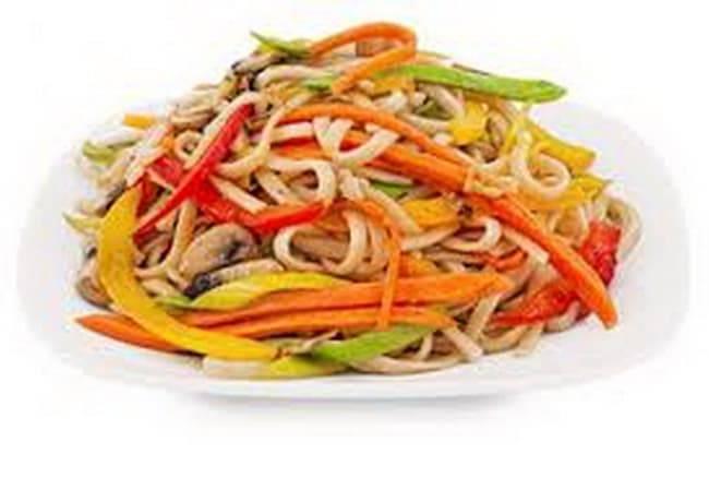 Удон с говядиной и овощами