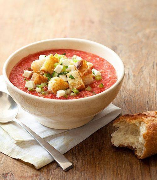 Холодный суп Капрезе – оригинальное блюдо летнего меню