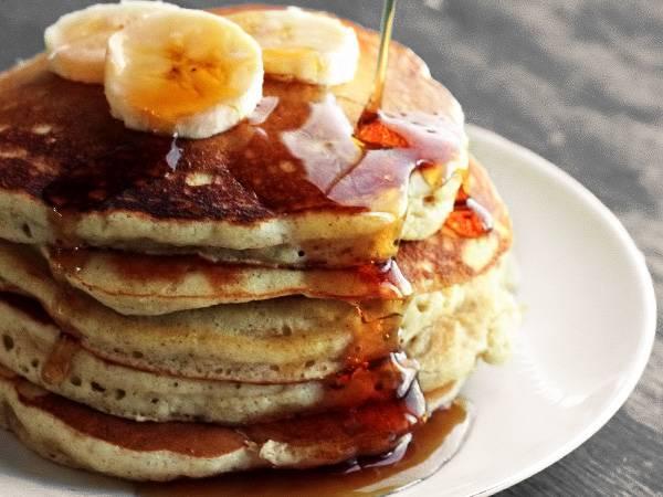 Банановые оладьи — роскошный завтрак