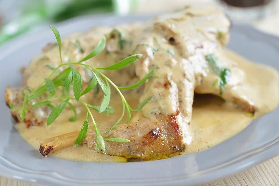 Кролик в сметане в духовке: 7 рецептов для ужина |
