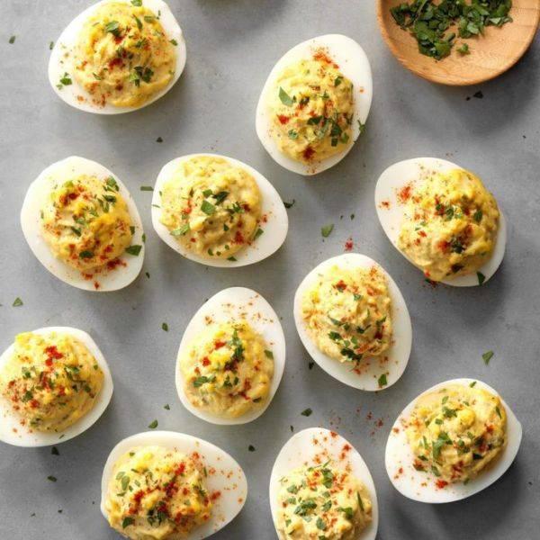 Фаршированные яйца за 25 минут: лёгкий рецепт быстрой закуски