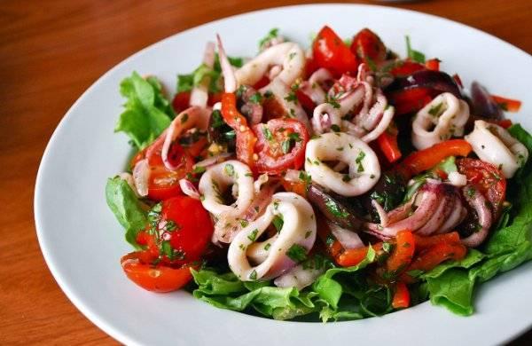 Пошаговый рецепт приготовления тушеных кальмаров с фото
