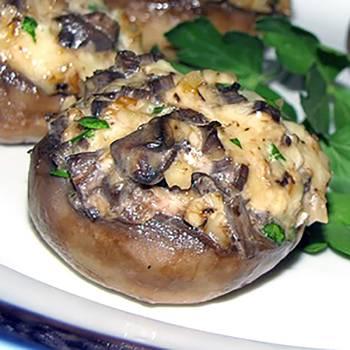 Фаршированные грибы шампиньоны в духовке, шампиньоны фаршированные с курицей и сыром