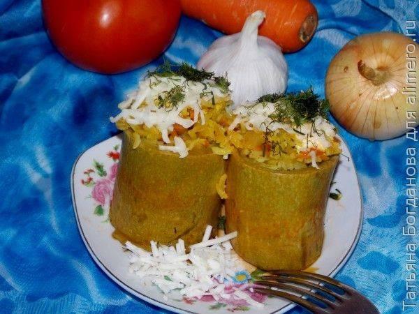 Кабачки, фаршированные рисом, зеленью и сыром