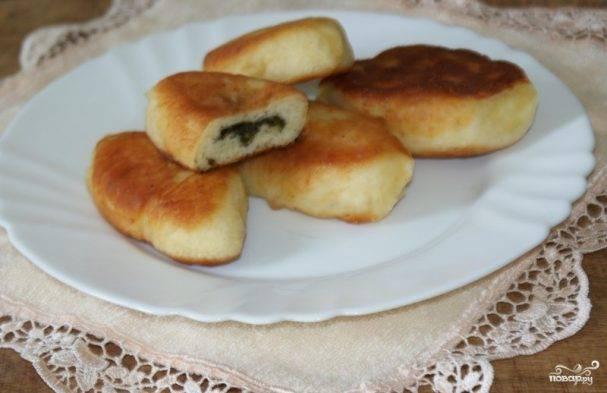 Пирожки со щавелем — 4 рецепта