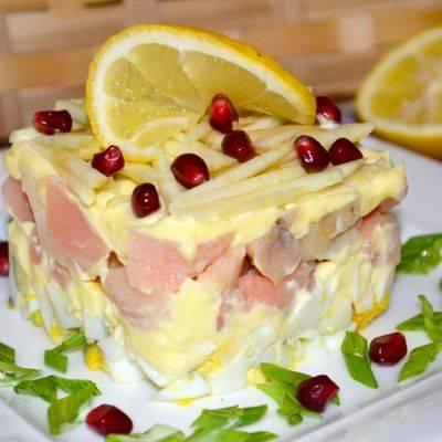 Изумительно вкусный микс из нежного филе лосося, сочной мякоти грейпфрута и зёрен граната