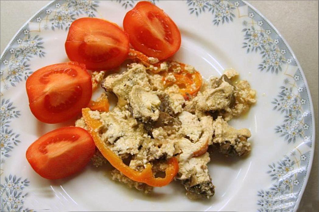 Рецепт куриной печени, тушеной в сметане