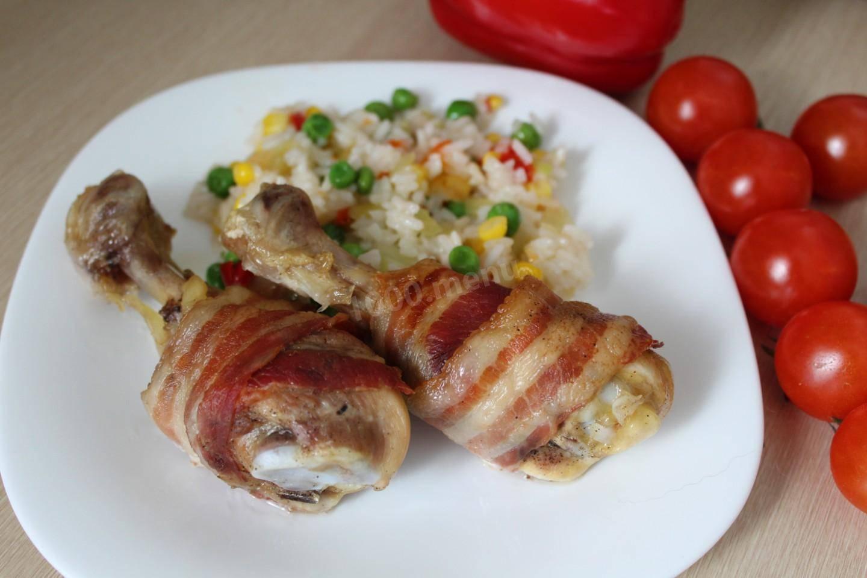 Куриные бедрышки, запеченные с цветной капустой под сыром