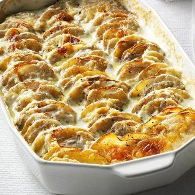 Картофельная запеканка сбеконом илуком