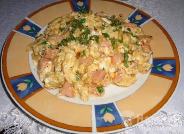 Пошаговый рецепт приготовления яичницы-болтуньи с фото