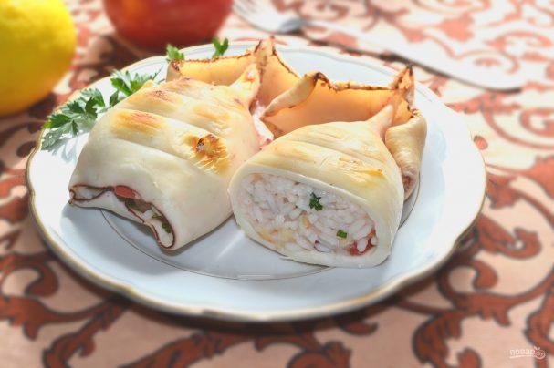 Кальмар, фаршированный сырно-креветочным муссом