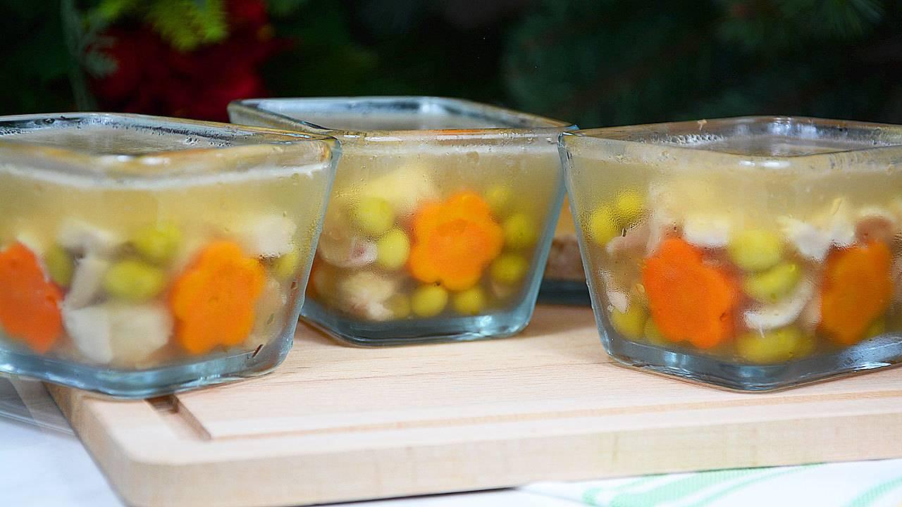 Холодец из курицы и свинины с желатином - 14 пошаговых фото в рецепте