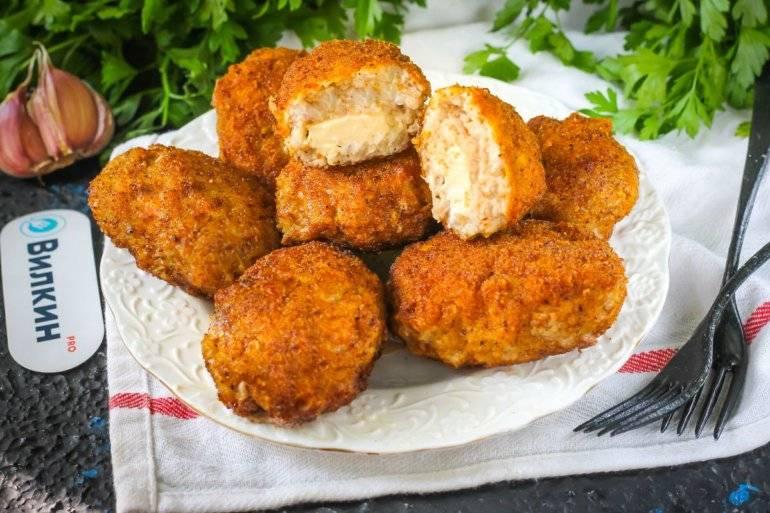 Булочки с мясом и сливочным сыром