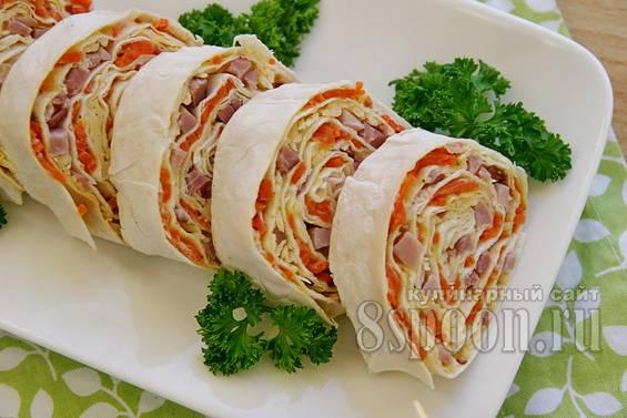 Рулет из лаваша с морковью по-корейски