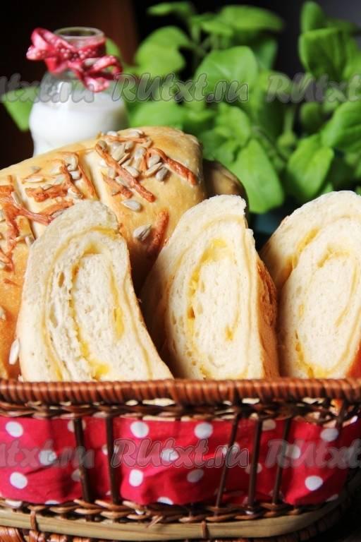 """Хлеб """"мраморный""""с чесноком и сыром"""
