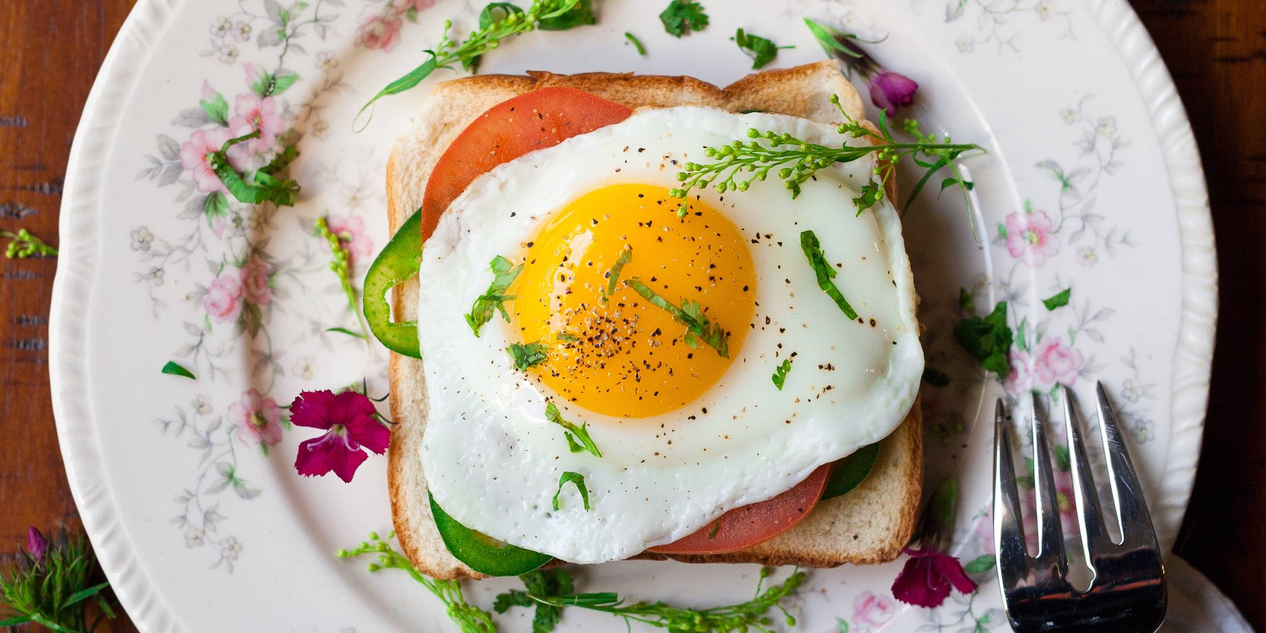 Как приготовить яйца в духовке: 10 рецептов, которые разнообразят завтрак