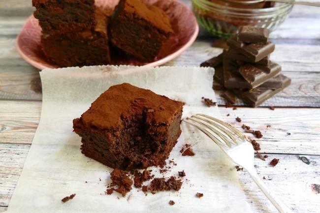 Как приготовить вкусный шоколадный пирог без яиц