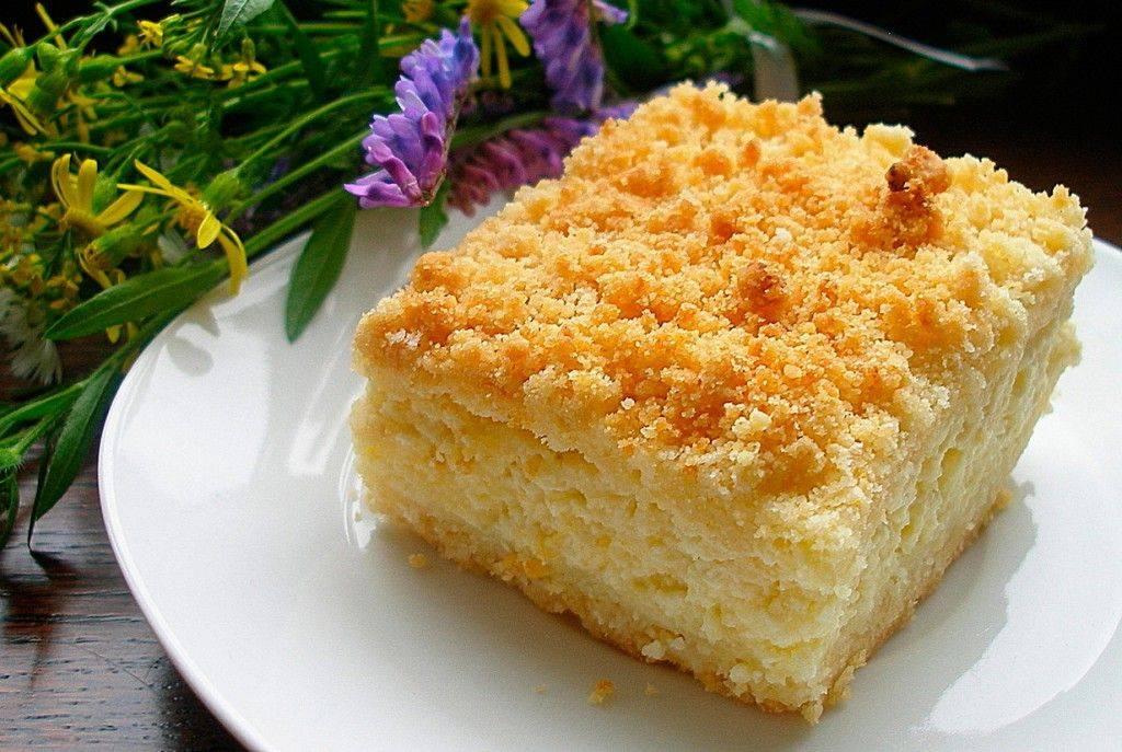 Пирог с творогом и яблоками - рецепты из песочного, слоеного и дрожжевого теста