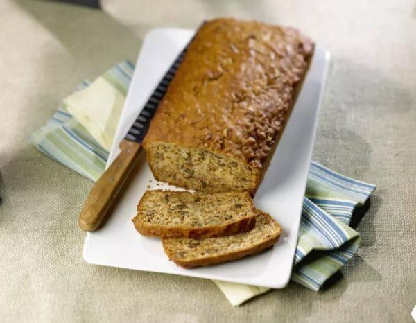 Домашний хлеб с грецкими орехами и ананасом