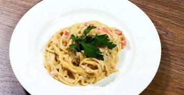 Паста с лососем в сливочном соусе - рецепты макарон с копченой, соленой и консервированной красной рыбой