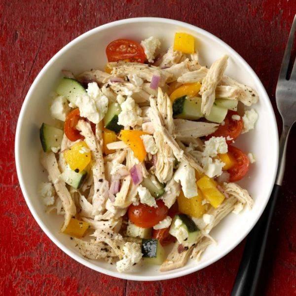Простой салат с курицей на все случаи жизни
