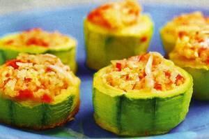 Кабачки, фаршированные овощами и рисом