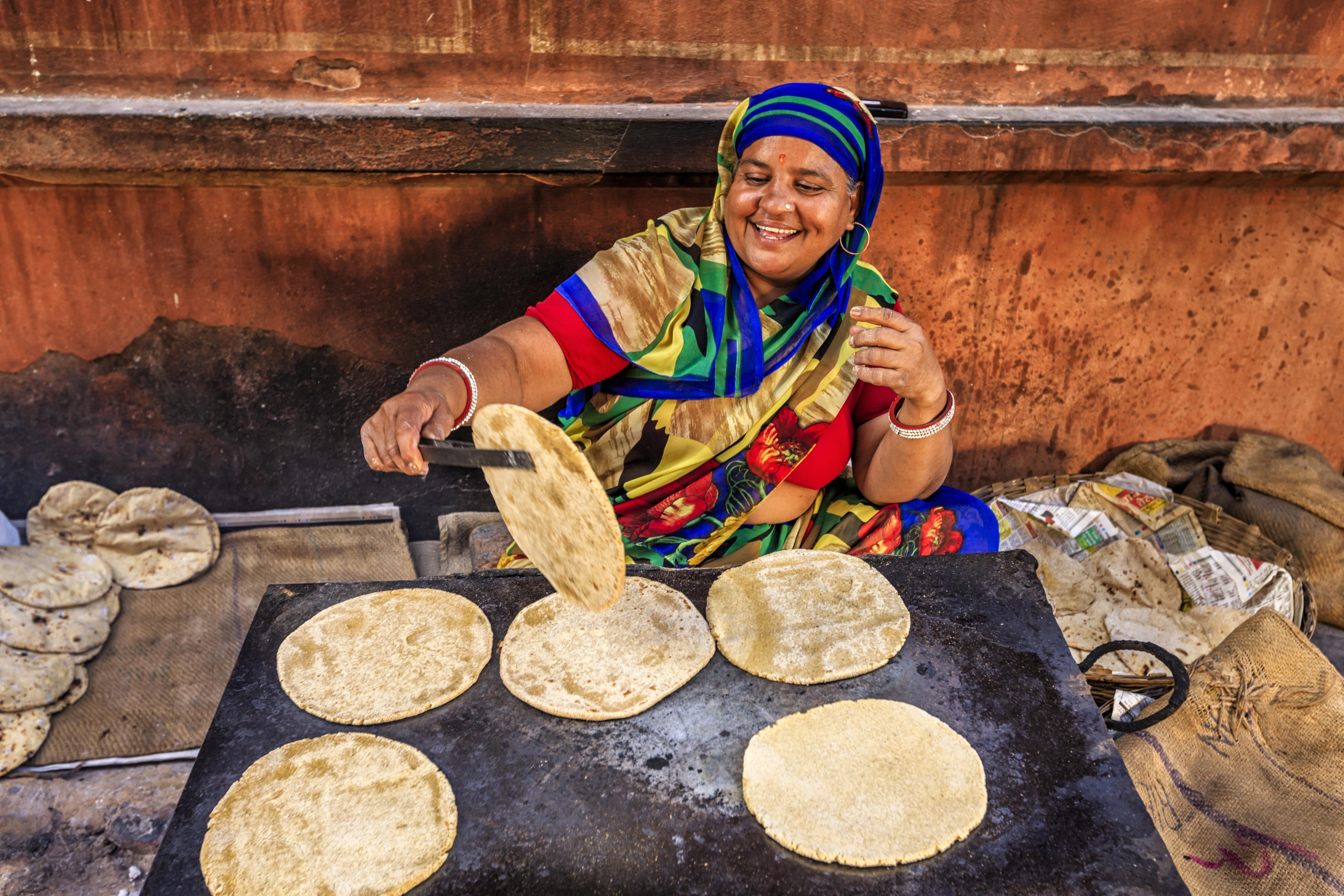 Тонкие индийские лепешки пури