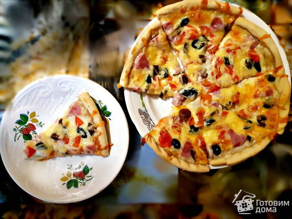 Пицца из слоеного дрожжевого теста покорит всех гурманов изысканным вкусом, а из бездрожжевого – мягкой и нежной структурой