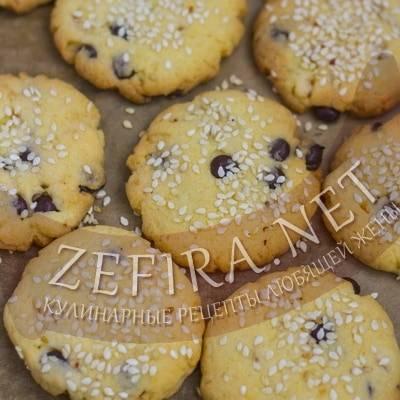 Соленое печенье с хлопьями и кунжутом