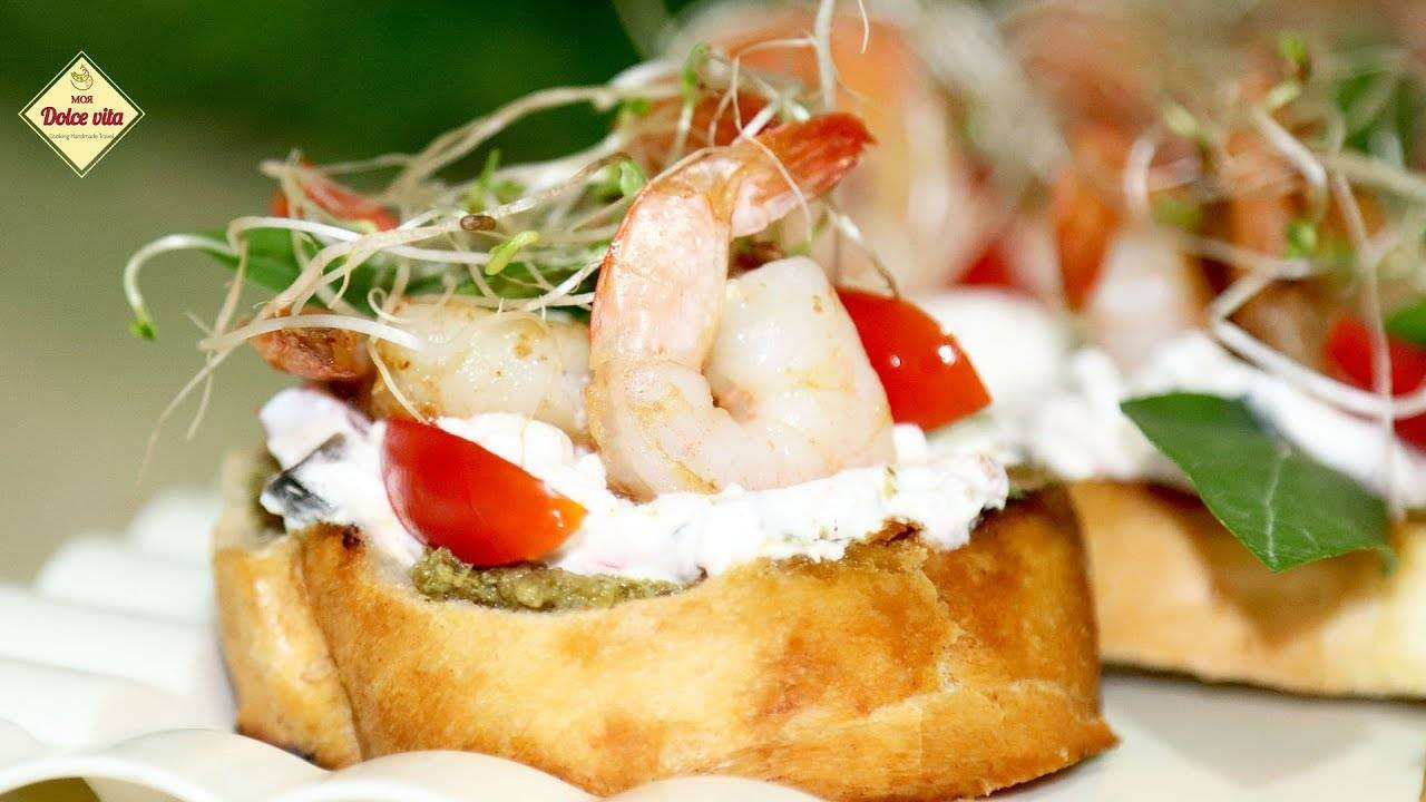 Брускетты с помидорами - вкусные и красивые закусочные бутерброды