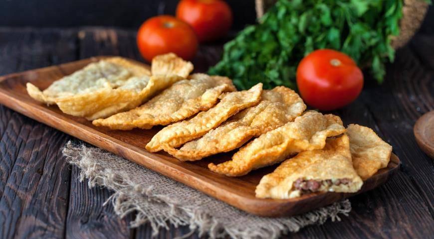 Крымские чебуреки дома – легендарные пирожки! рецепты сочных, крымских чебуреков с мясом, сыром, овощами, грибами