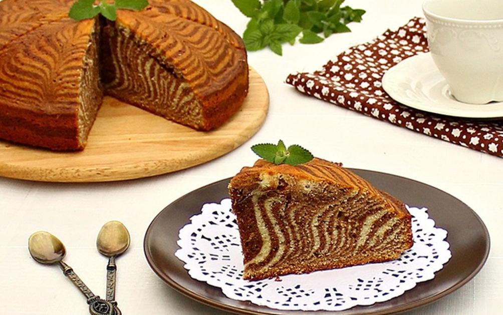 Как испечь торт зебра на сметане и кефире по пошаговому рецепту с фото