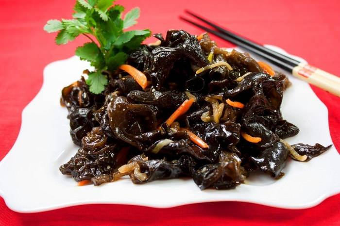 Салат из древесных грибов с огурцом, морковью: рецепты с фото