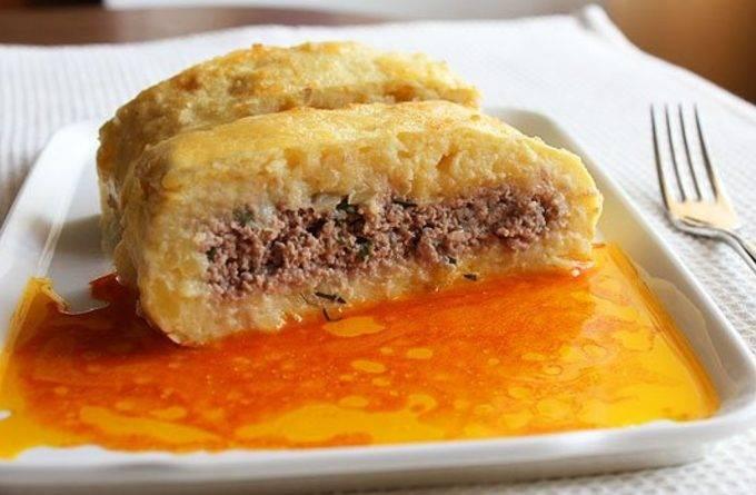 Картофельный рулет с капустно-мясной начинкой