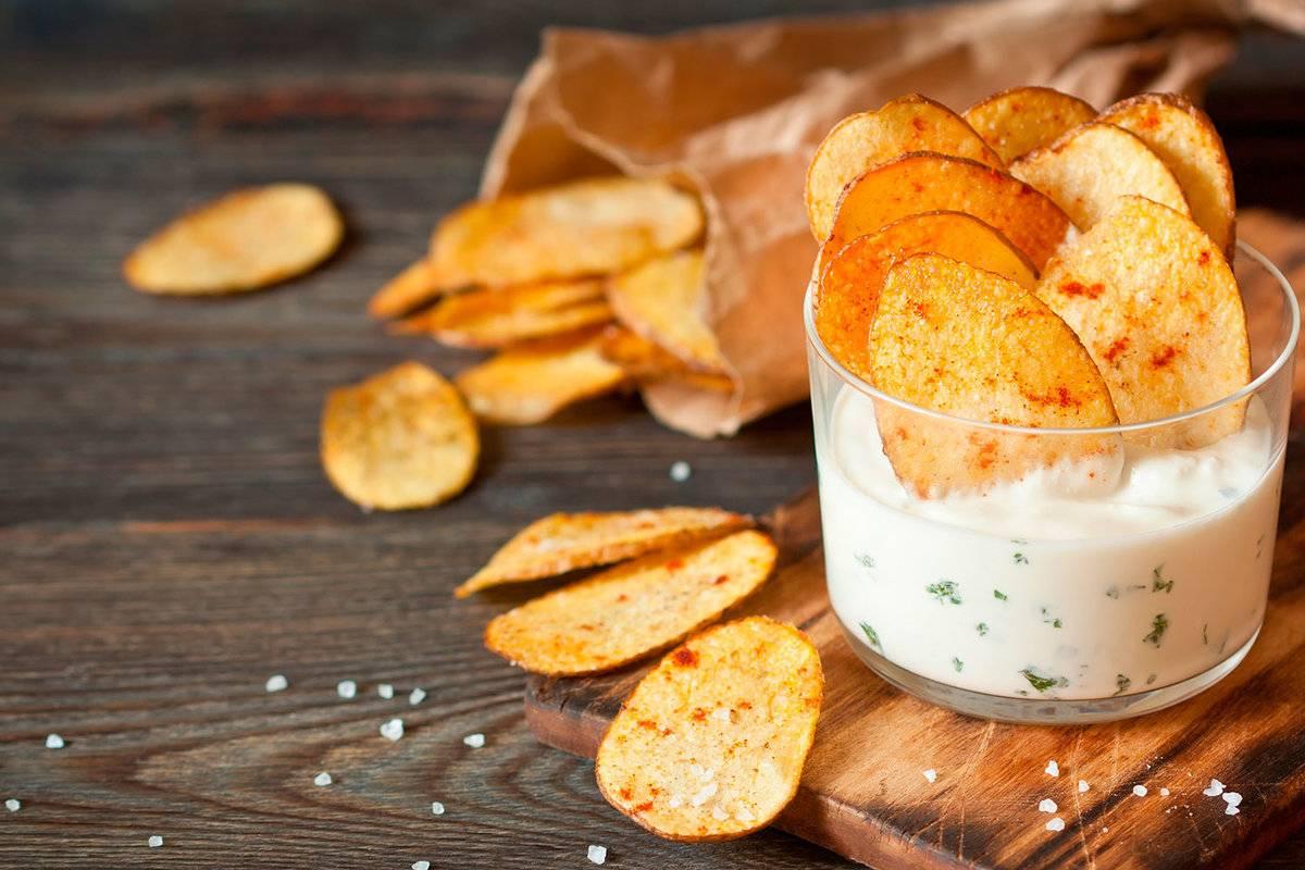 Чипсы из картошки в микроволновке – быстрый способ приготовления закуски к пенному!