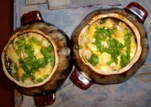 Овощи в горшочках духовке: капуста, картошка, моркошка и всего понемножку