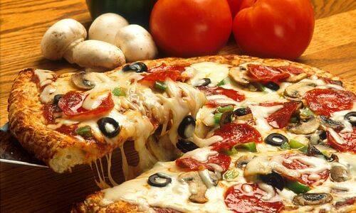 Как научиться готовить вкусную пиццу с моцареллой