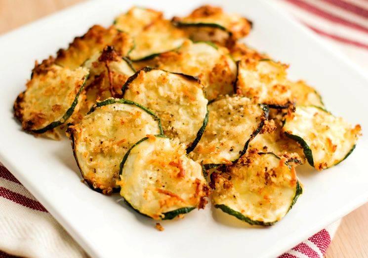 10 рецептов жареных кабачков с хрустящей корочкой или аппетитными соусами — адме-ру