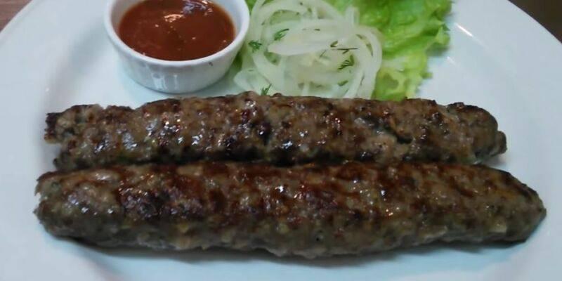Готовим люля-кебаб в духовке – 3 простых рецепта (вкусно как на углях)