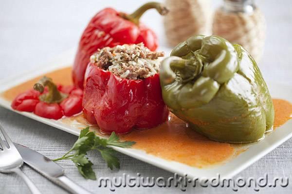 Фаршированные перцы в томатном соке в мультиварке