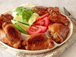 Куриные бёдра с капустой и беконом