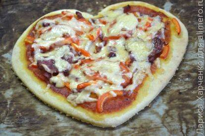 Мини-пиццы в форме сердца на 14 февраля
