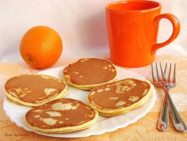 Апельсиновые панкейки на твороге