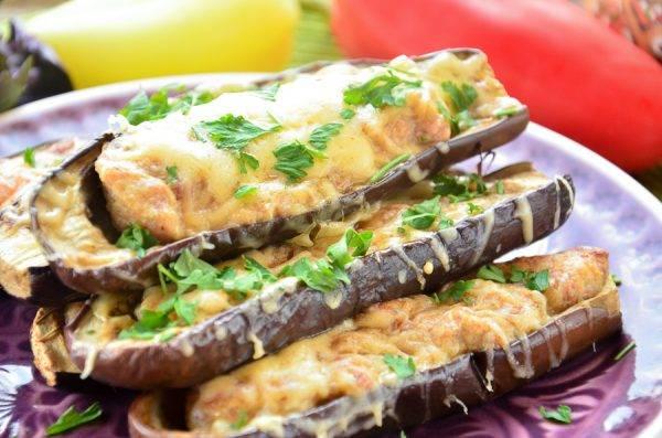 Лодочки из баклажанов - рецепты в духовке и мультиварке с фаршем, овощами и гибами