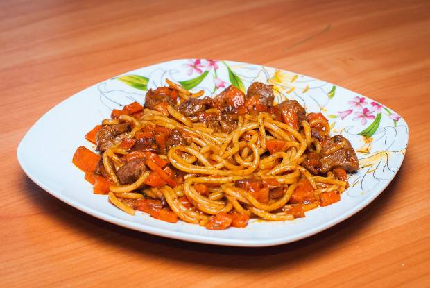 Паста с домашним итальянским соусом