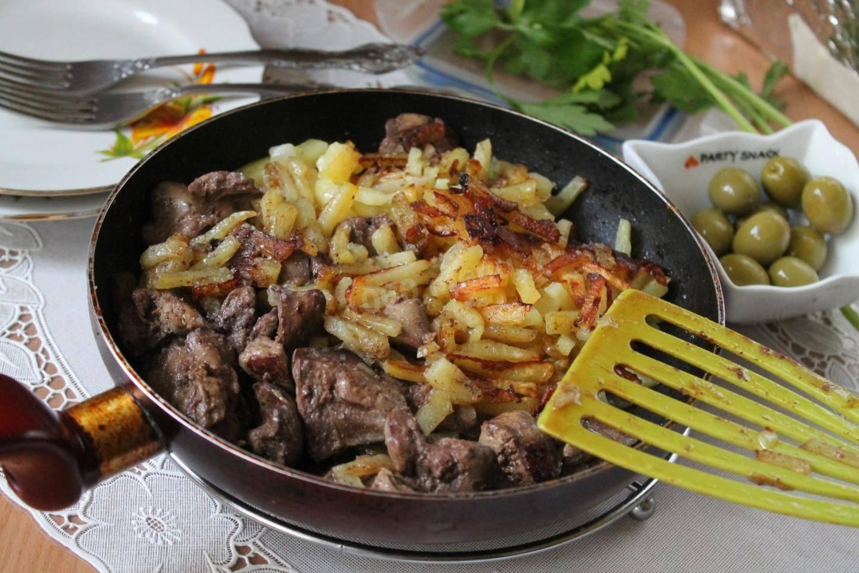 Куриная печень, жаренная с картошкой: легко и вкусно
