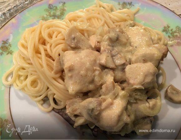 Куриная грудка с грибами в сливочном соусе - 6 пошаговых фото в рецепте